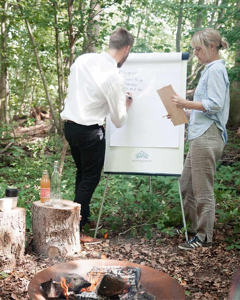 Hold møde i skoven